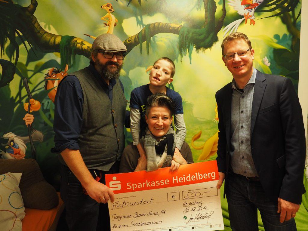 Übergabe Spendenscheck Margarete-Blarer-Haus